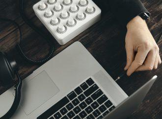 ¿Se rompió el jack de auriculares tu PC? Esta es la mejor solución.